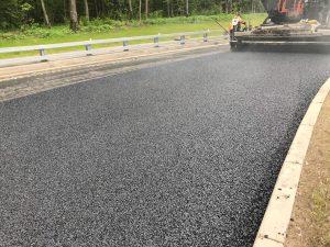 Работы по устройству покрытия на дублере Калужского шоссе